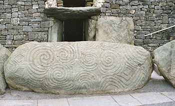 Love Irish Tours - Newgrange, Meath, Ireland